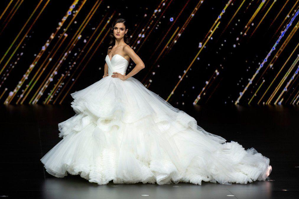 Se quejó del diseño del vestido de novia y lo tenía al revés