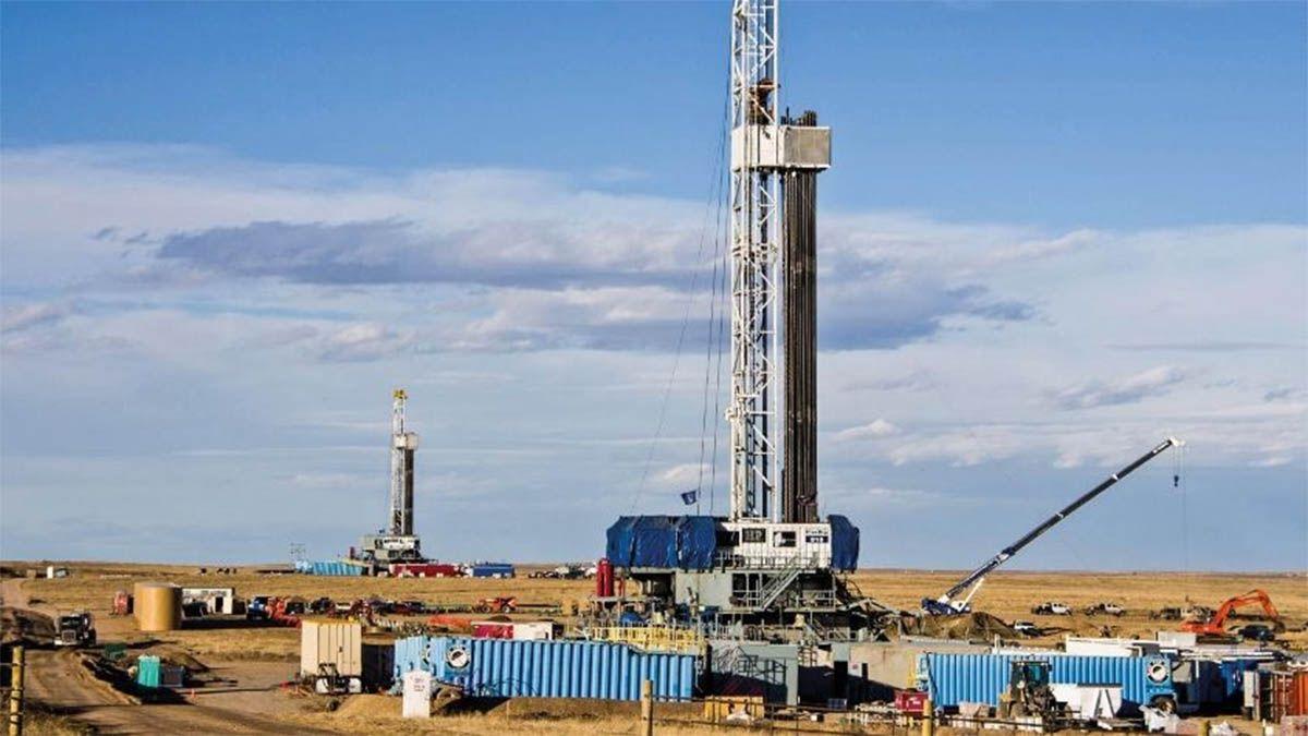 Mendoza busca reactivar 200 pozos petroleros que están frenados.