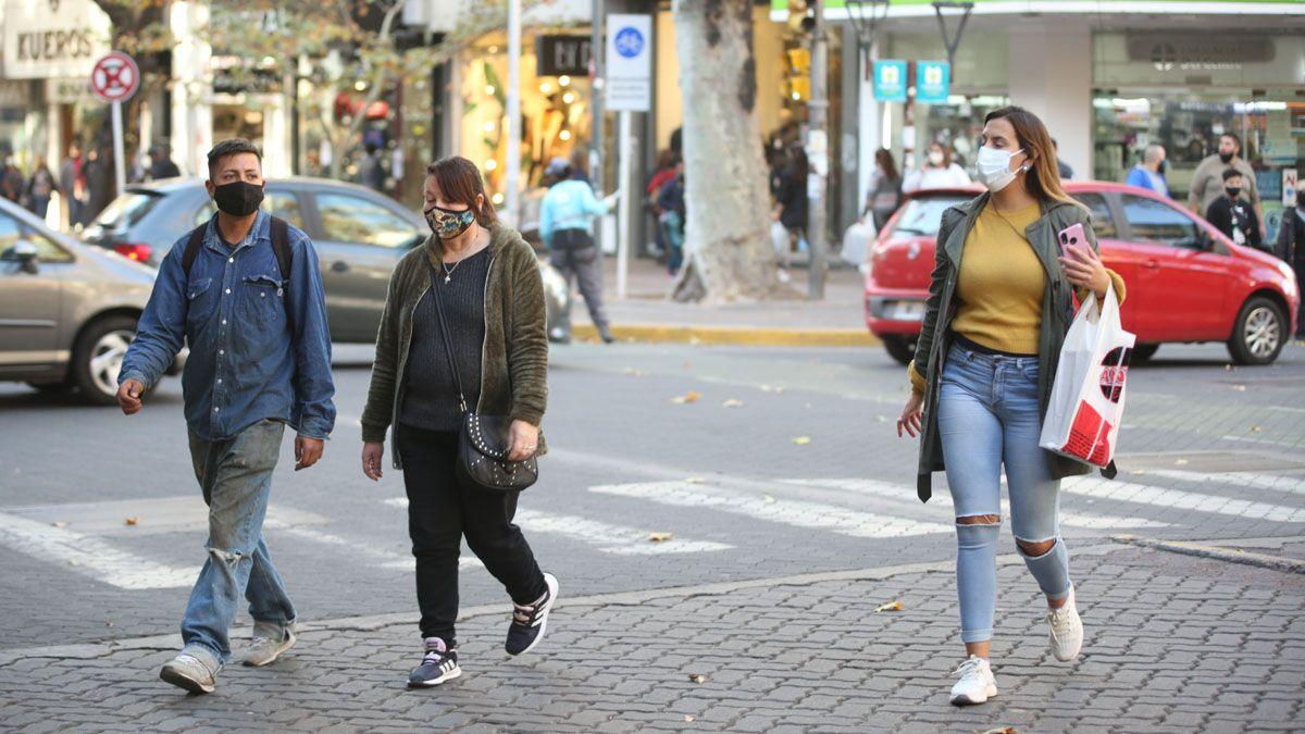 Covid en Mendoza: son menos de 850 los casos activos