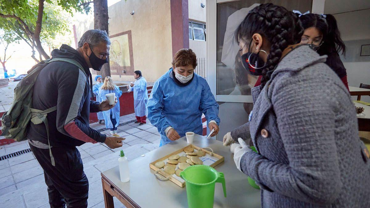 Vacunadores y vacunados fueron sorprendidos gratamente por la Municipalidad de Las Heras.