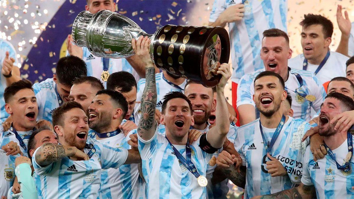 La Selección Argentina, campeona de la Copa América, jugaría con Italia en Nápoles.