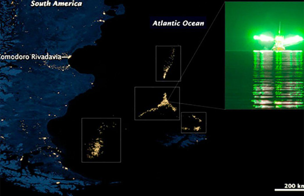 Imagen satelital con más de 4 mil barcos realizando pesca ilegal en Mar Argentino. Diputados aprobaron multas millonarias en la Ley de Pesca.
