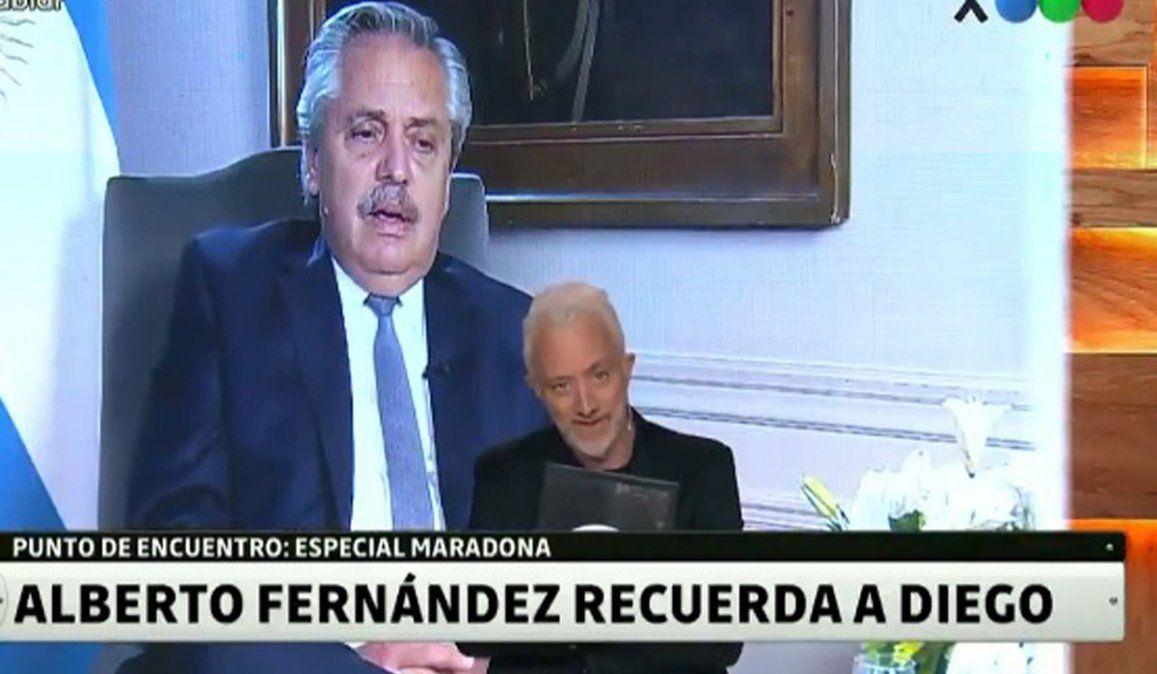 El presidente Alberto Fern{andez se mostr{o emocionado al recordar a Diego Maradona y señal{o que el Diez siempre se mostro comprometidos con los humildes