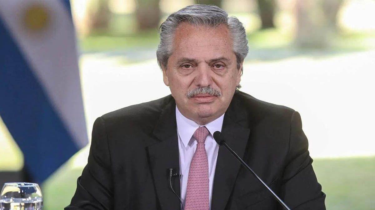 Alberto Fernández anunció que se asignará un monto de 15 mil pesos para los beneficiarios de AUH