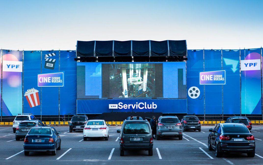 El autocine de YPF ServiClub llega a Mendoza