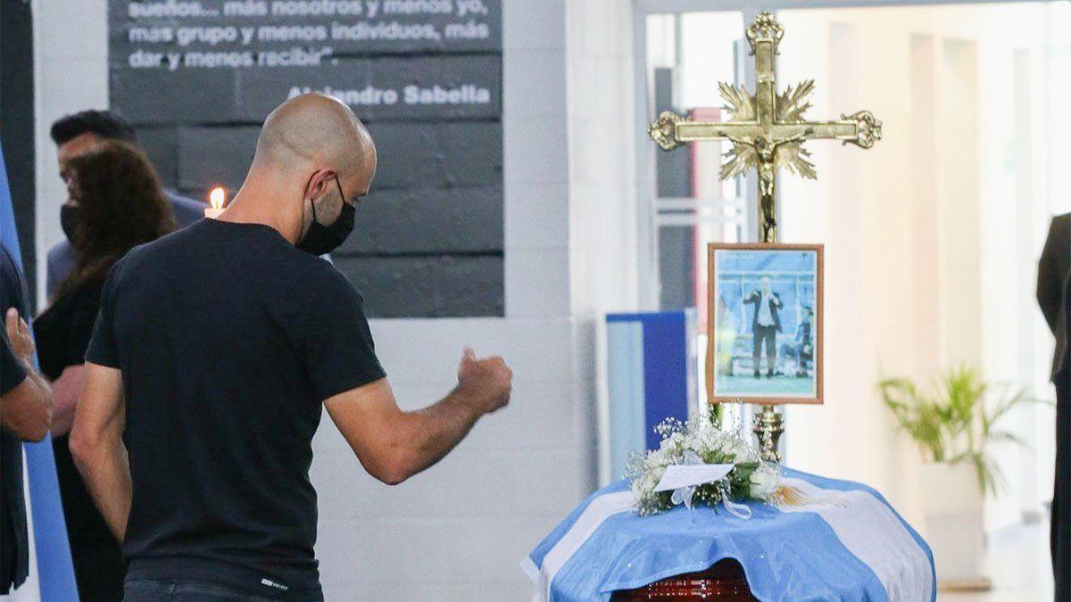 Javier Mascherano estuvo en el velatorio de Sabella.