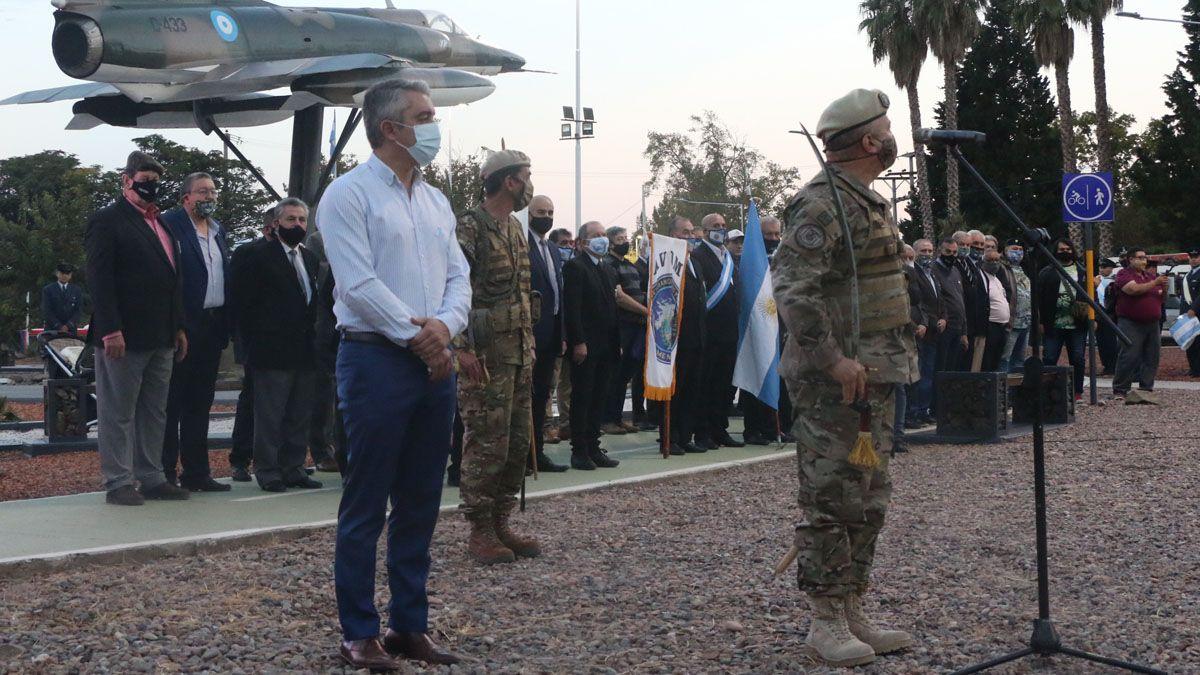 Sentido homenaje a los veteranos y caídos en Malvinas