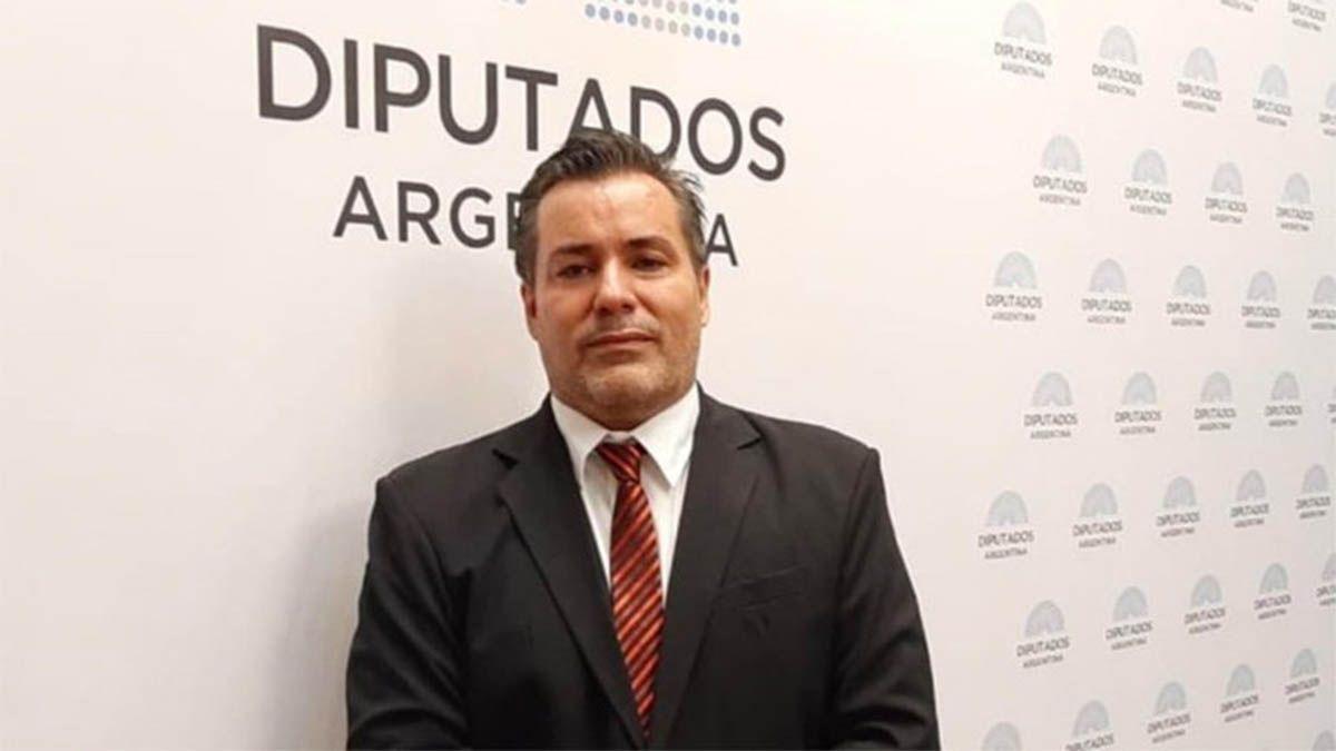 La carta de renuncia de Ameri: Seguiré trabajando para que Argentina se ponga de pie