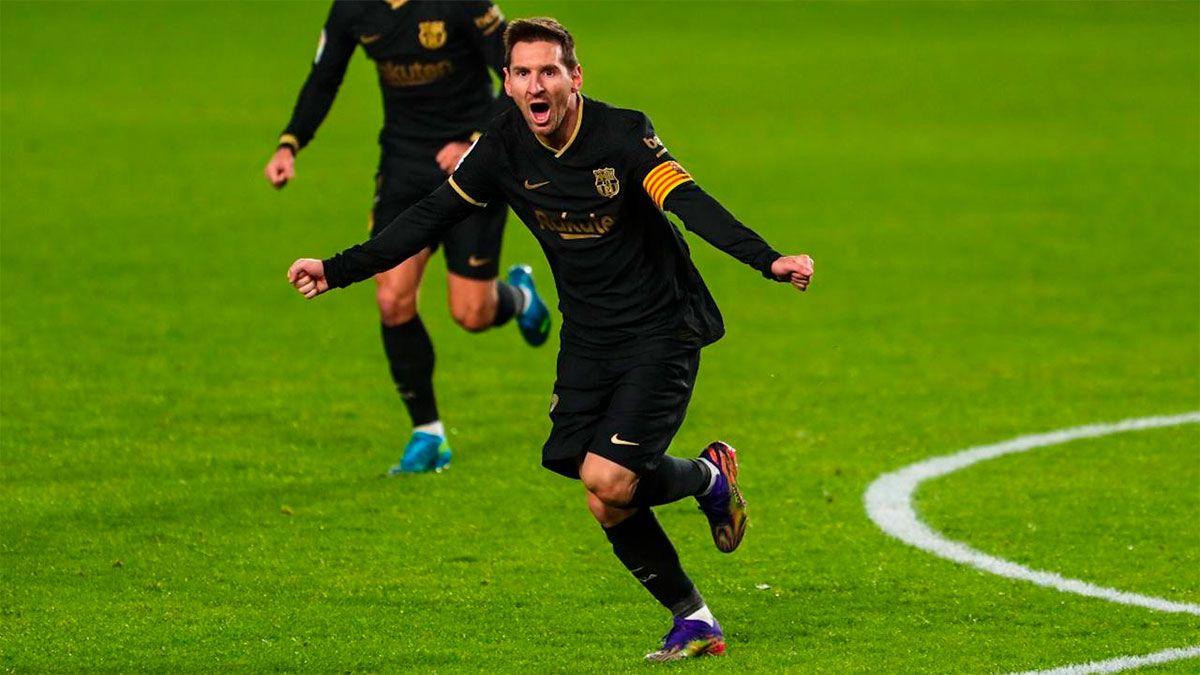 Lionel Messi volvió a convertir de tiro libre con un golazo