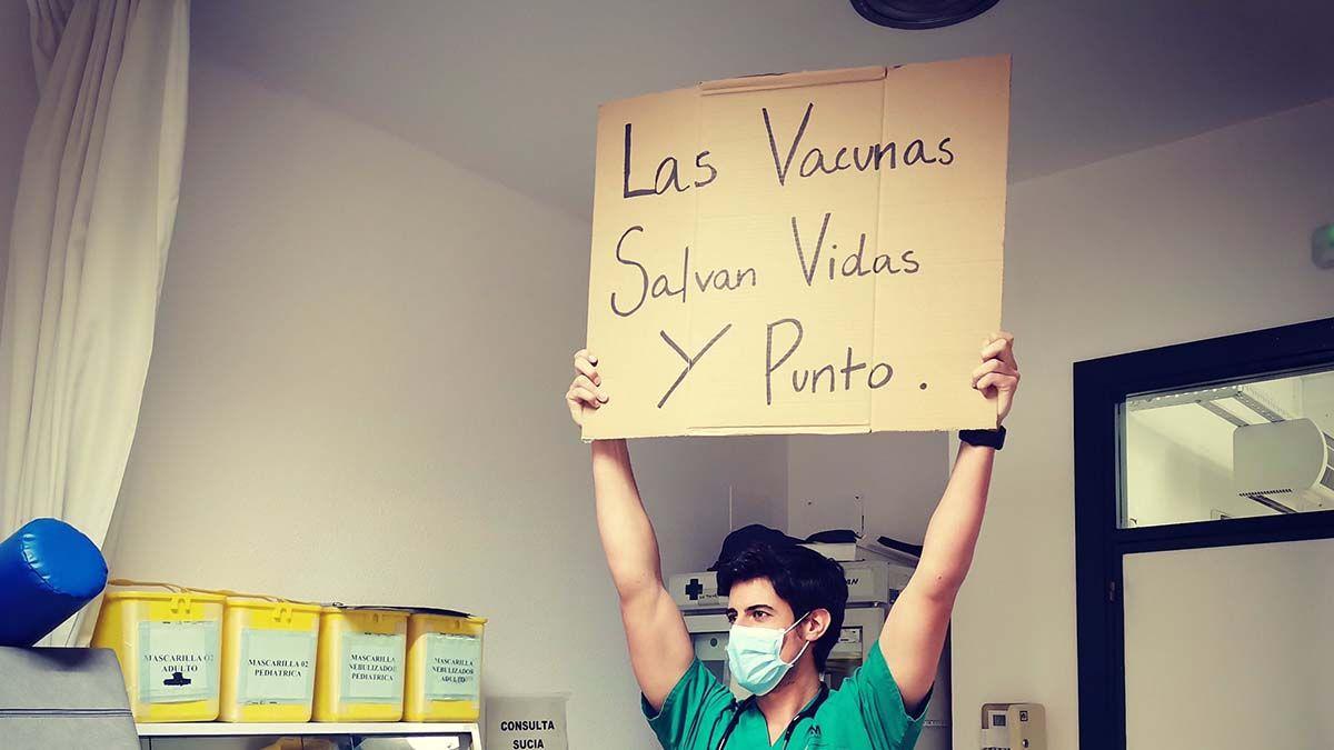 Ángel Sánchez Vázquez es un médico madrileño que