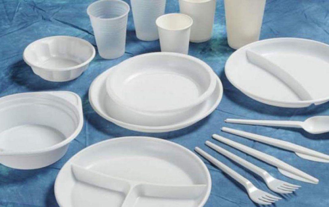 Rumbo a la prohibición de descartables de plástico
