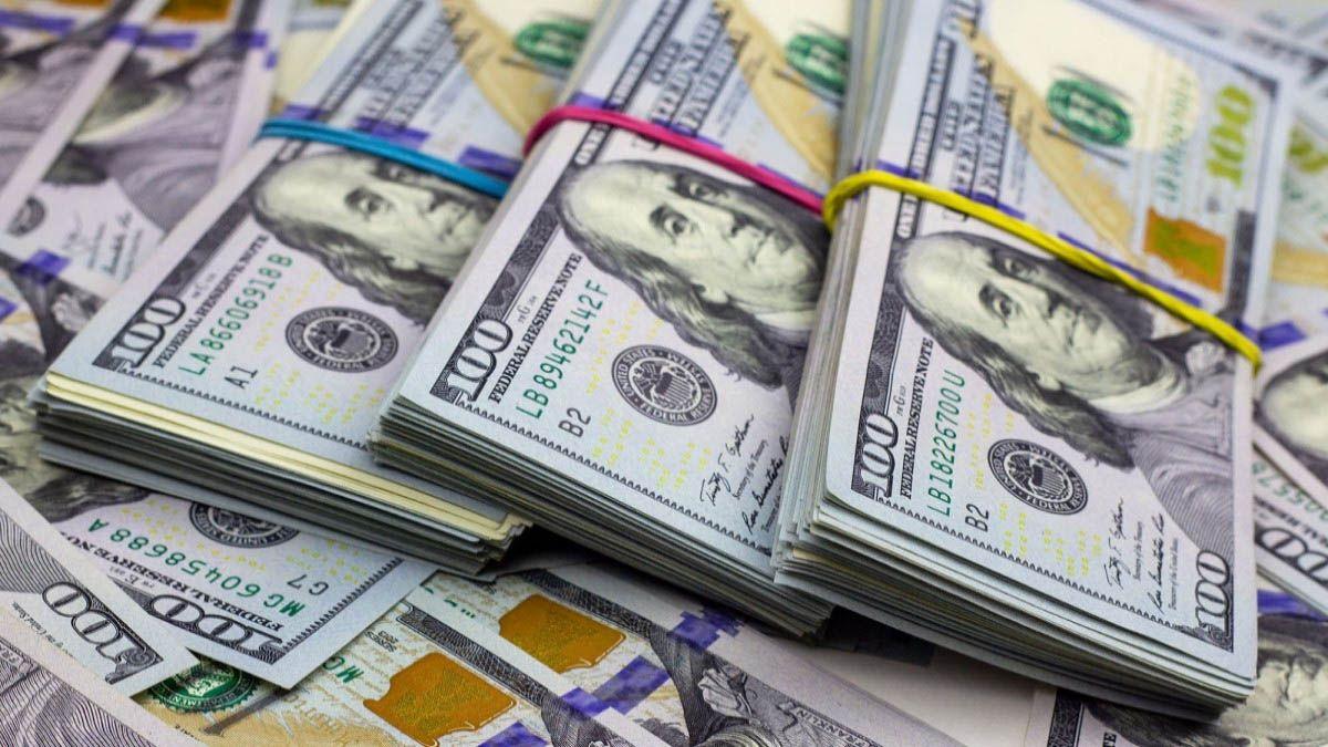 El dólar blue bajó cinco pesos y cerró a $ 190