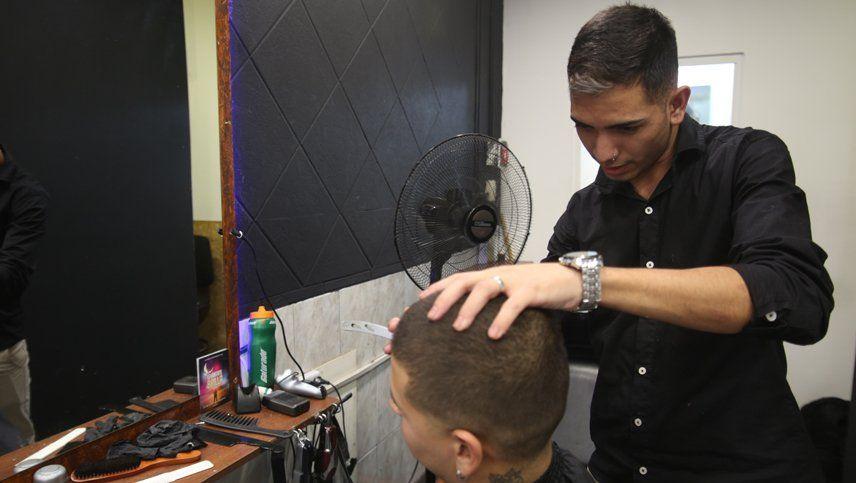 Coronavirus en Mendoza: bajo qué condiciones pueden trabajar las peluquerías exceptuadas de la cuarentena