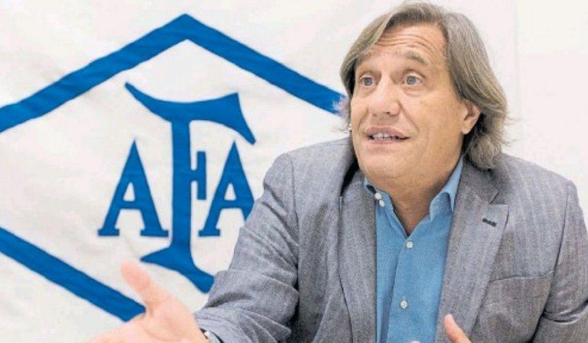 El médico de la AFA Donato Villani fue a visitar a Diego Maradona por pedido del presidente del organismo Claudio Chiqui Tapia