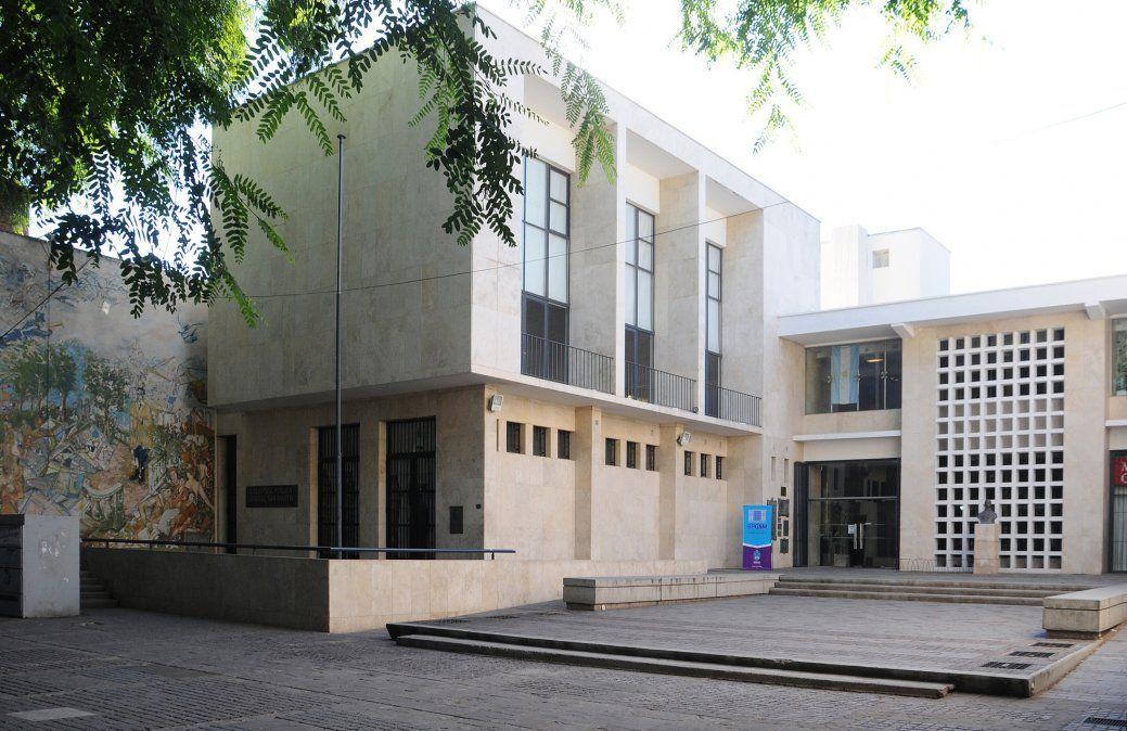 Biblioteca Pública San Martín.