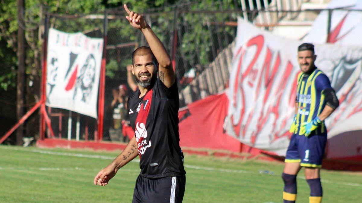 Cristian Taborda es uno de los jugadores importantes del equipo que dirige Theiler.