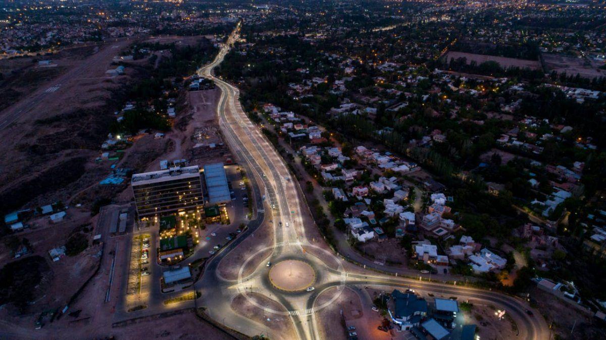 Una vista con dron del nuevo tramo remodelado de la ruta 82 o Panamericana.