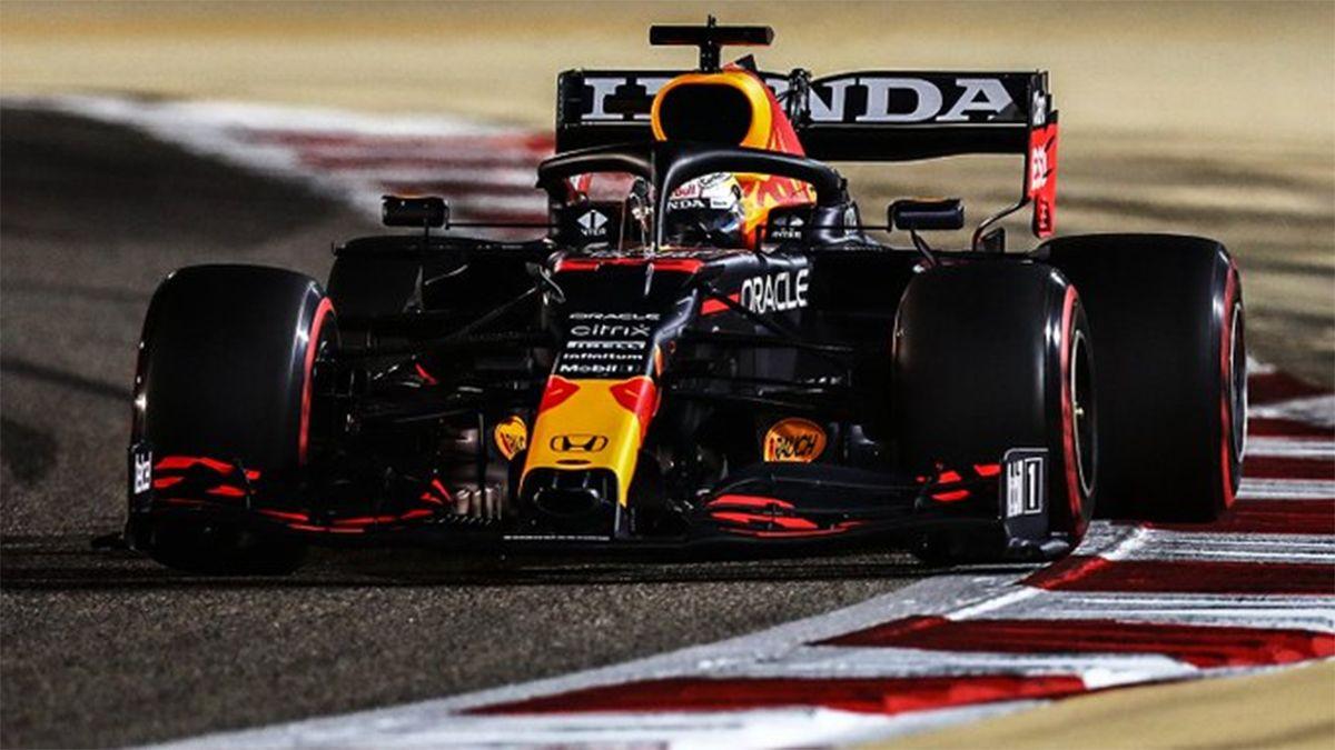 Verstappen firmó la primera pole de la temporada