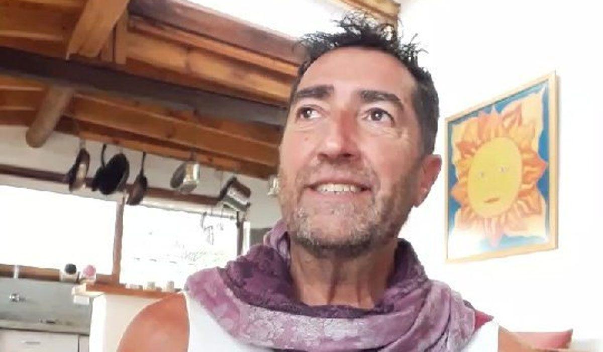 La nueva vida de Alejandro Rial: tras la muerte de su mujer, se cambió el nombre y dejó todo