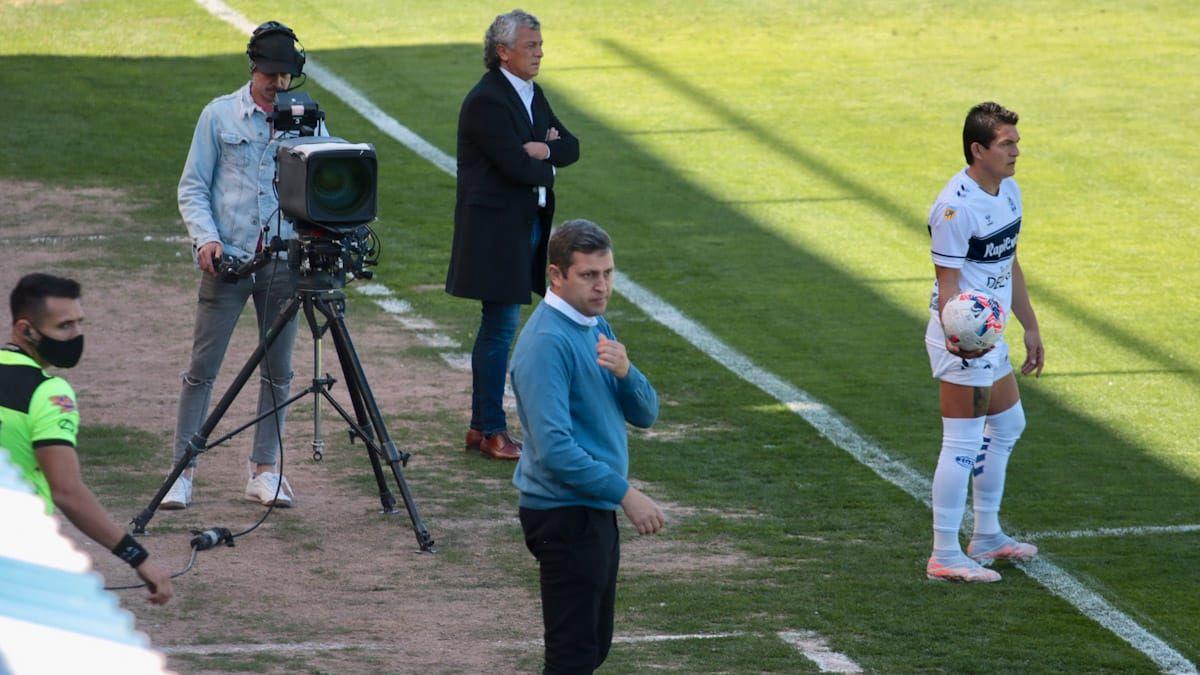 Diego Flores y Pipo Gorosito debutaron como técnicos de Godoy Cruz y Gimnasia La Plata.