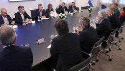 Macri pidió tranquilidad a su equipo y les aseguró que no habrá cambios de gabinete