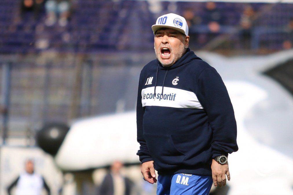 Diego Maradona estará en el Bosque para el debut del Lobo