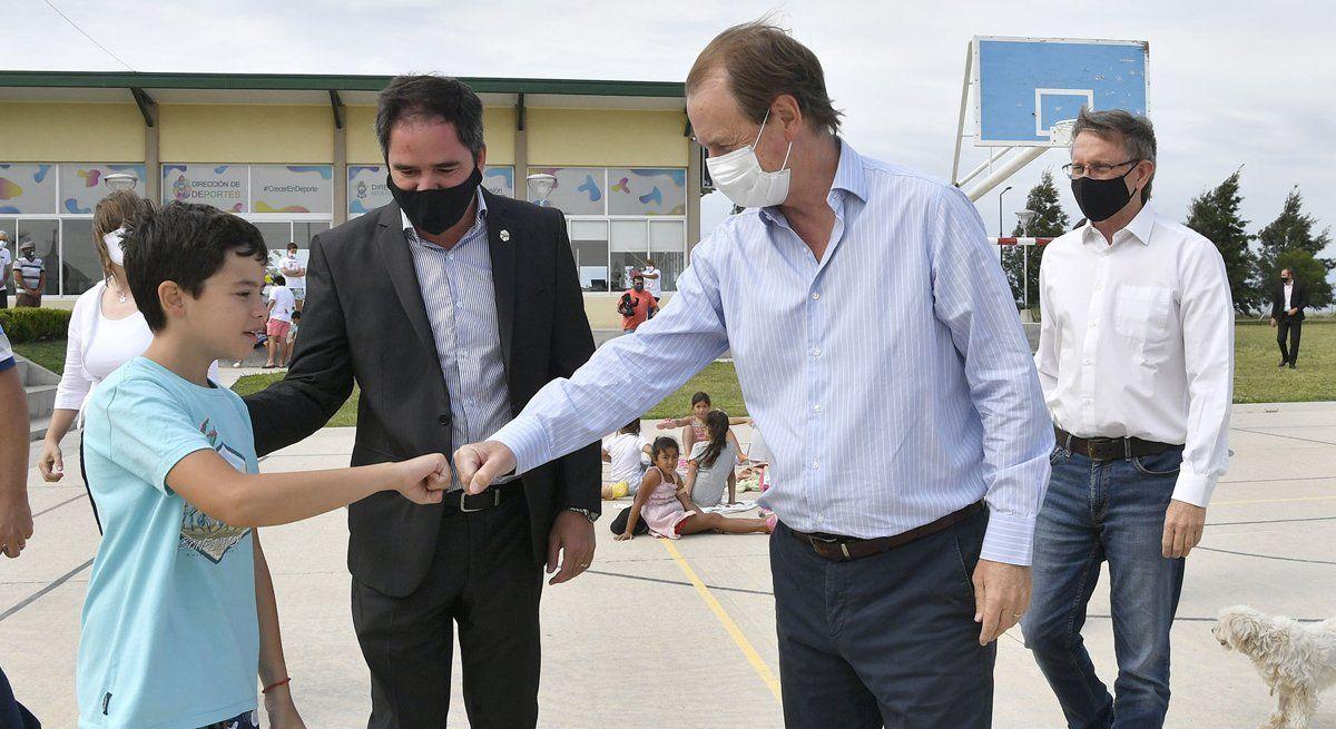 Bordet respondió a las críticas de Cornejo y Sanz