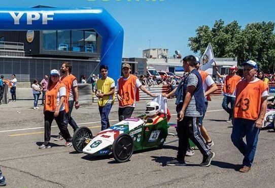 Alumnos de Godoy Cruz participarán del desafío de construir un auto eléctrico