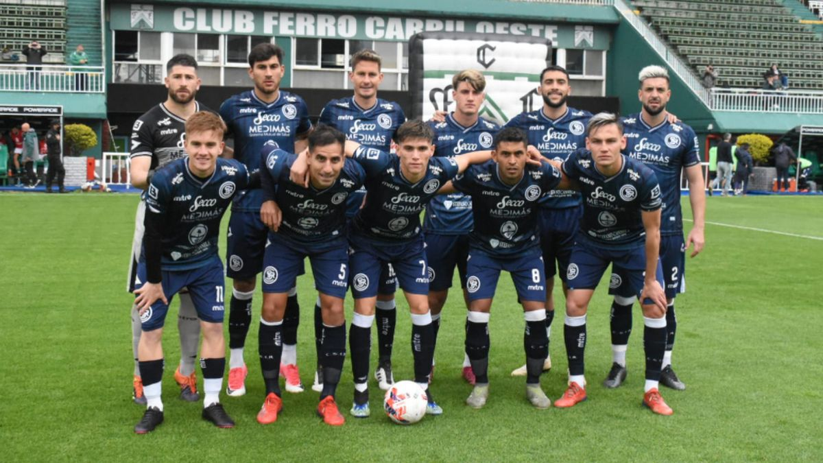Independiente Rivadavia visita a Ferro, en Caballito.