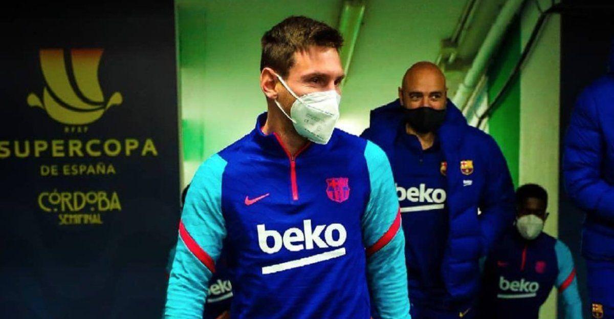 Lionel Messi tiene una lesión muscular y está en duda.