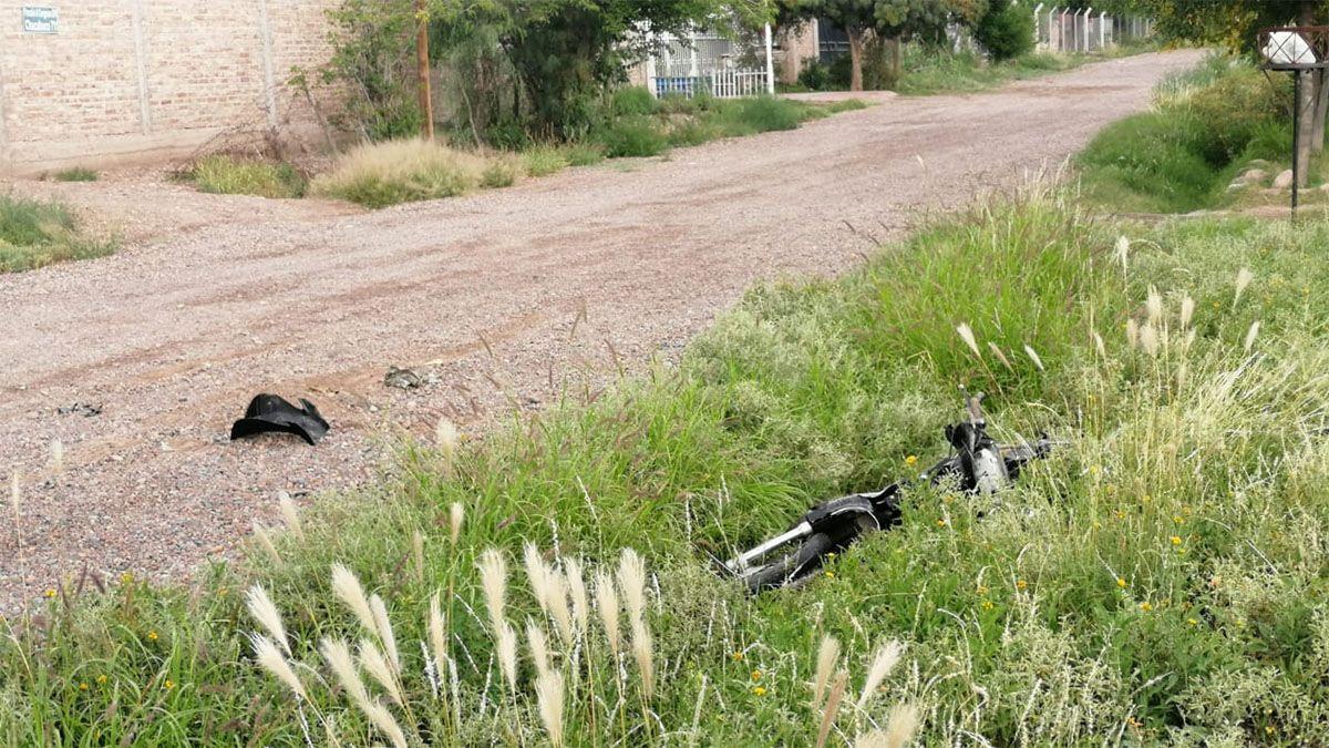 El conductor que atropelló al motociclista abandonó la moto en un descampado