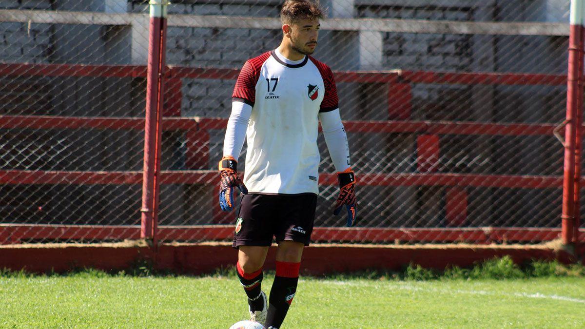 Juan Cruz Bolado llegó desde Godoy Cruz y se adueñó del arco botellero. (Gentileza Prensa Deportivo Maipú).