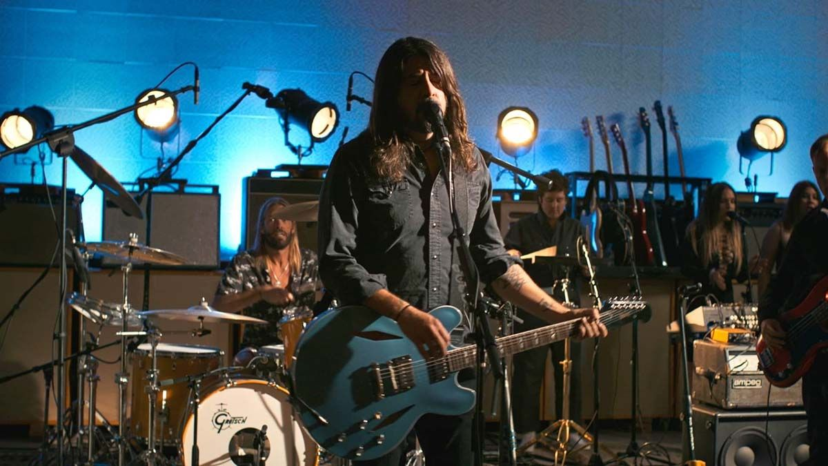 Foo Fighters adelantó el single No Son Of Mine.