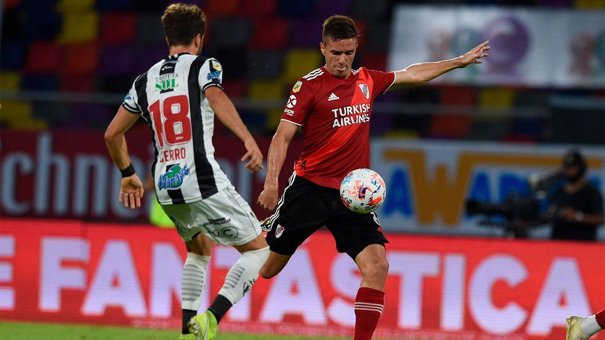 Con uno de Angileri, River goleó 5 a 0 a Central Córdoba