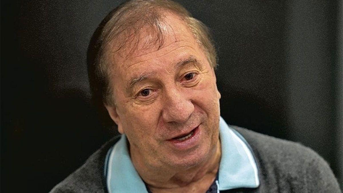 Carlos Bilardo fue vacunado contra el coronavirus