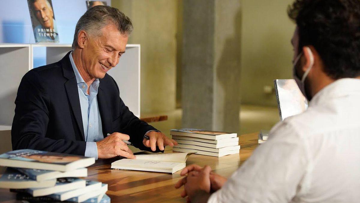 Macri durante la presentación de su libro Primer Tiempo en Córdoba.