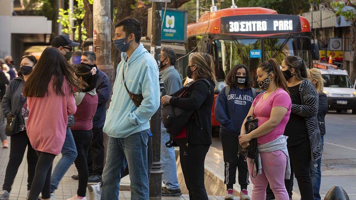 Coronavirus: Mendoza superó en casos diarios a la Ciudad de Buenos Aires el miércoles y jueves de esta semana.
