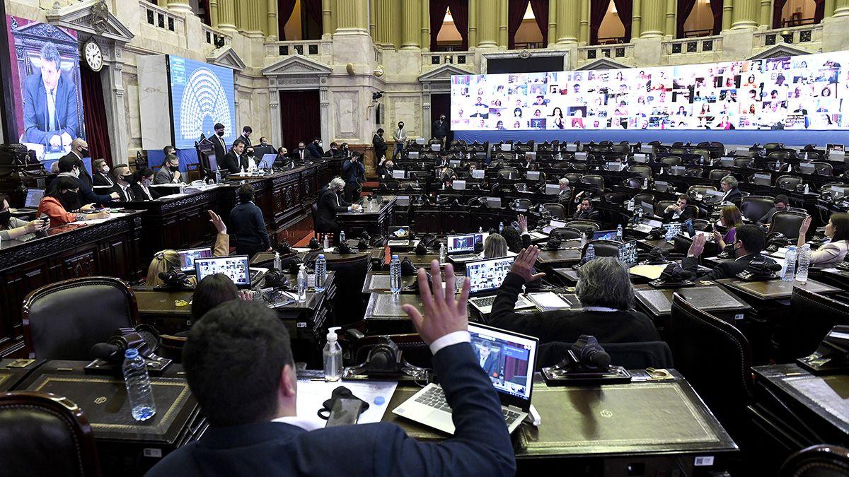 Diputados debaten 4 proyectos de Ley