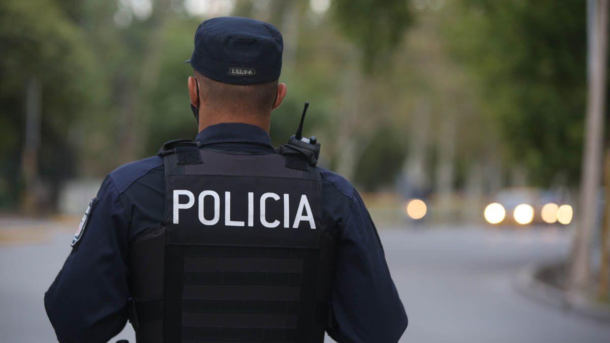 Foto ilustrativa de un policía de Mendoza.