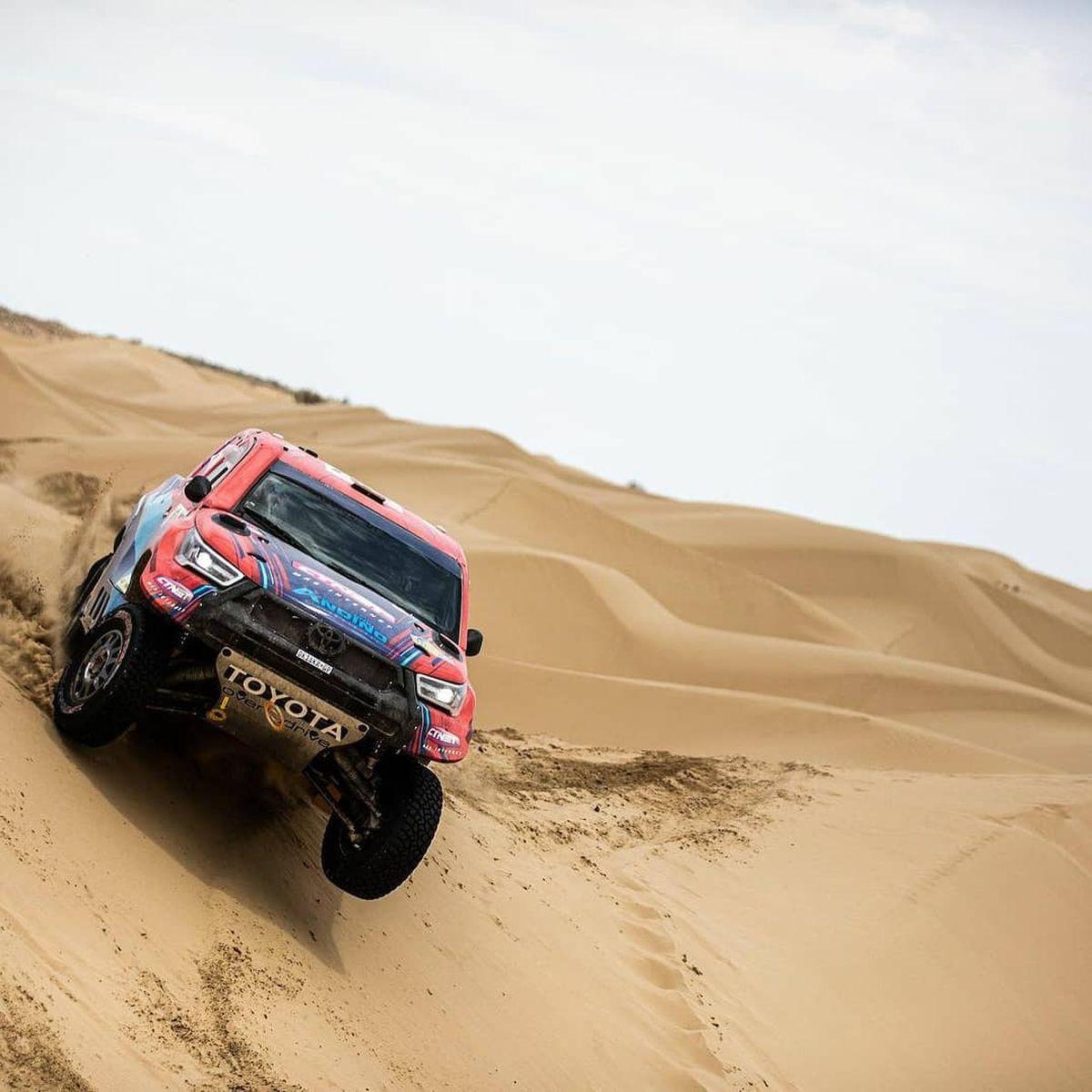Lucio Álvarez condujo a la Toyota Hilux a lo más alto del Rally de Kazajistán.