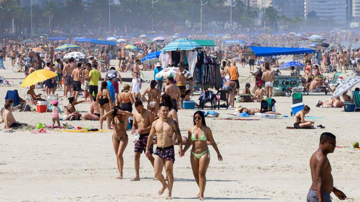 Las playas de Brasil lucieron abarrotadas de gente ya que fueron miles de personas en el Día de la Independencia