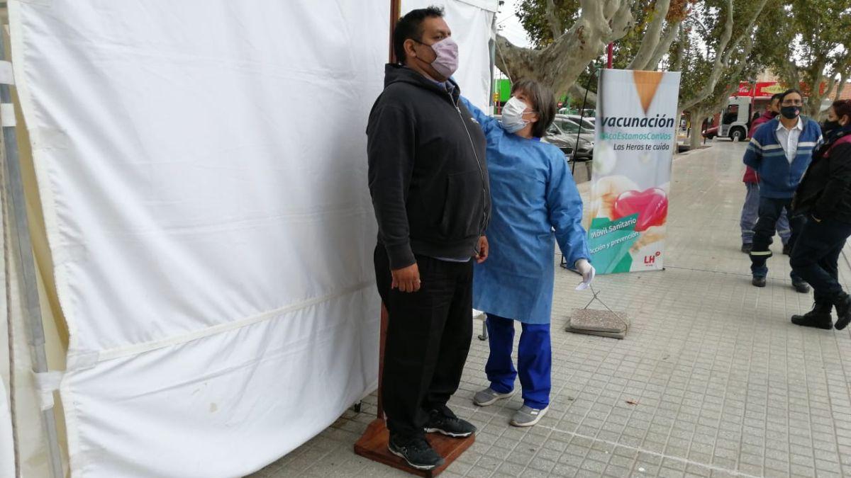 Vacunación: se puede conseguir el certificado de obesidad en Las Heras. Foto Matías Pascualettí.