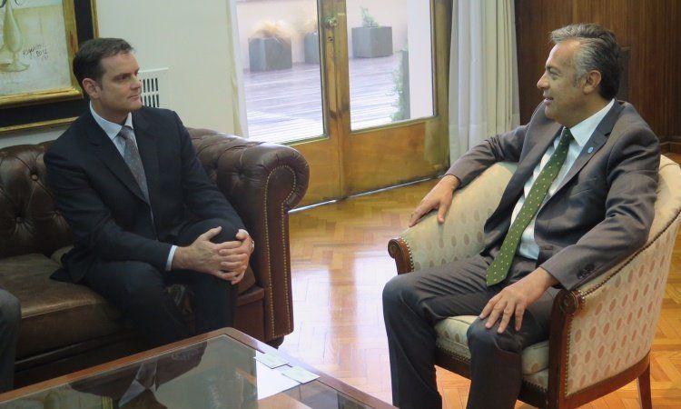 Cooney y Cornejo en Casa de Gobierno.