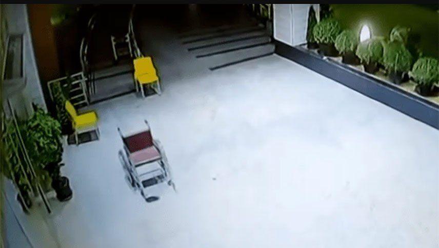 Una silla de ruedas que supuestamente se mueve sola causa terror en un hospital