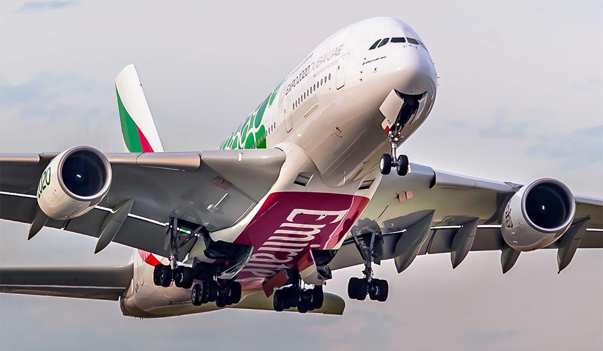 Emirates busca 3.500 empleados