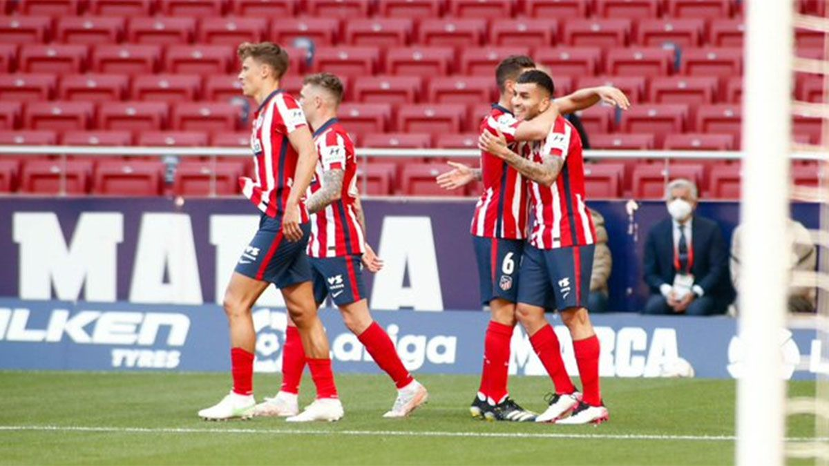 El líder Atlético de Madrid goleó y Correa hizo un doblete