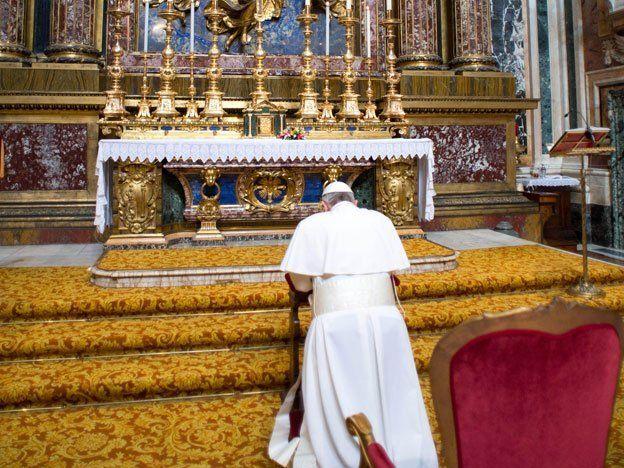 Jorge Bergoglio inició su papado con gestos de suma sencillez y ya fijó su agenda hasta el martes
