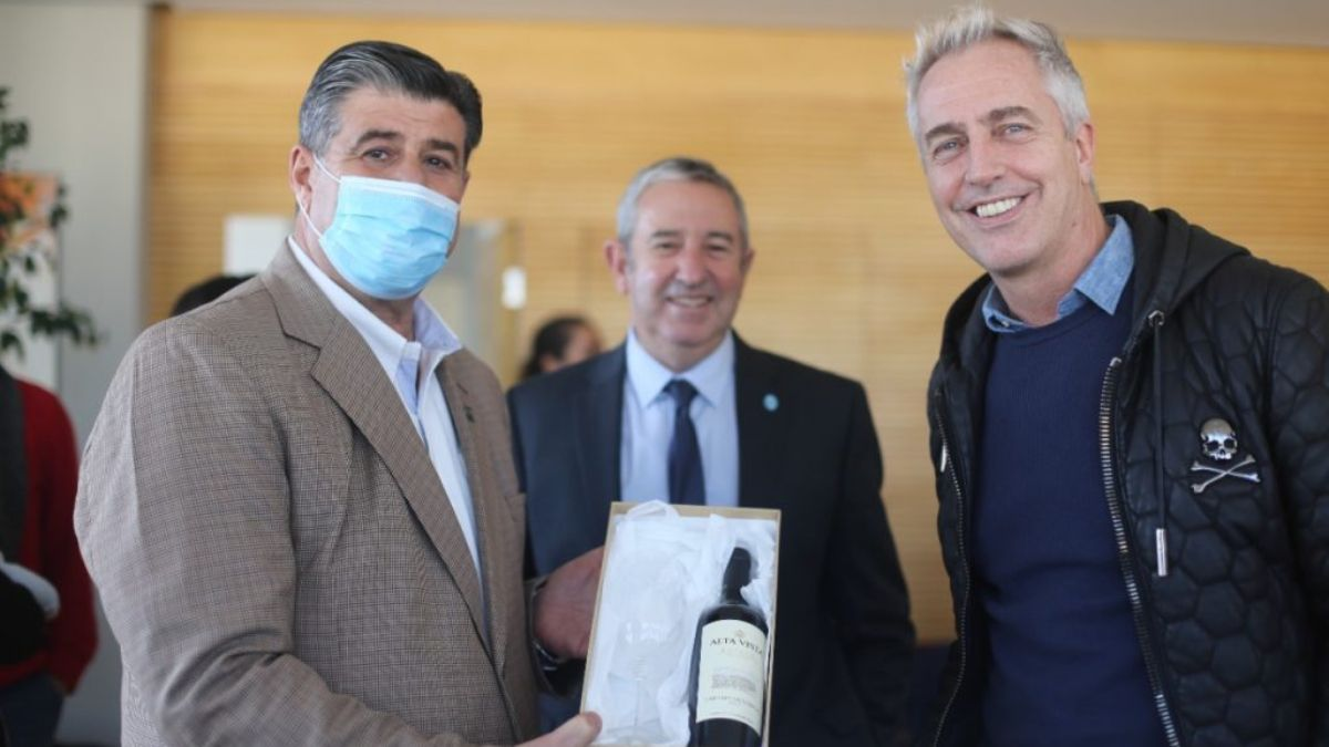 Mario Abed, Julio Cobos y Marley en la Legislatura de Mendoza.