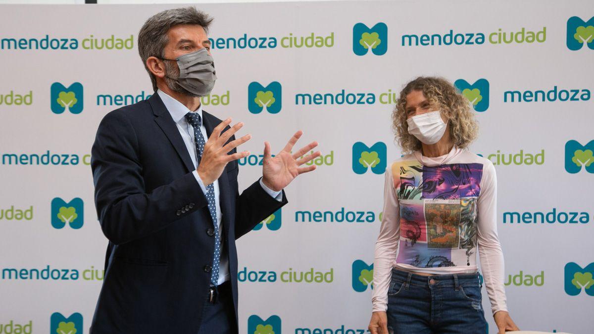 Ulpiano Suarez y Maru Botana durante la reunión.