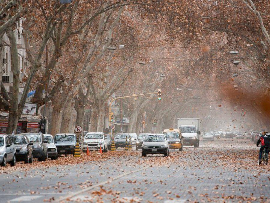 Alertan por viento zonda en Mendoza